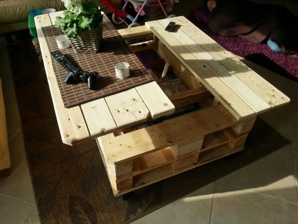 Wood Pallet Recycling Table